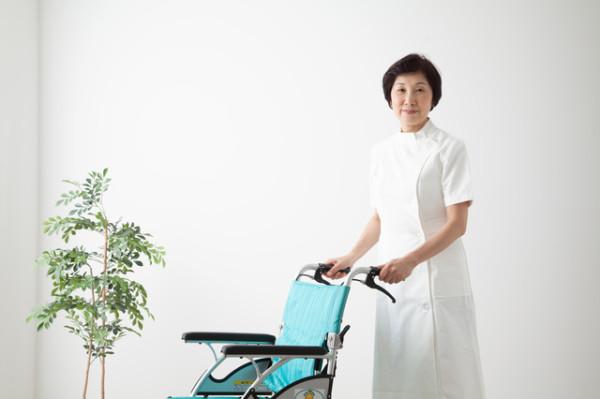 ベルーナは低価格と幅広い年齢層に対応